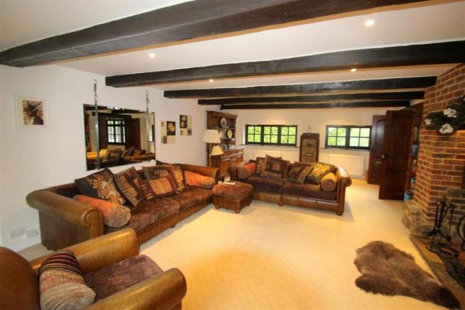 5 bedroom detached house, Outwood