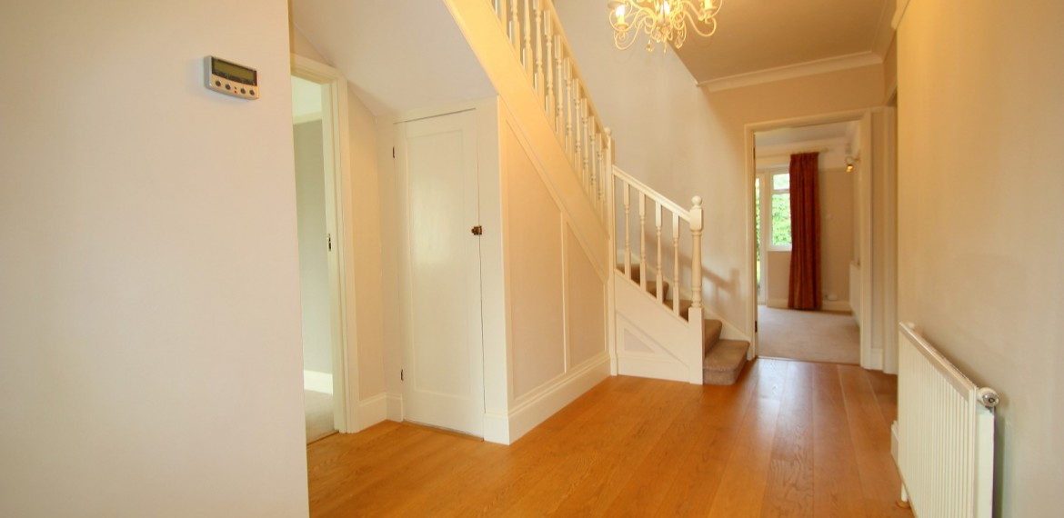4 bedroom detached house, Crawley