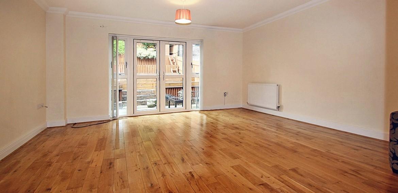 4 bedroom terraced house, Coulsdon